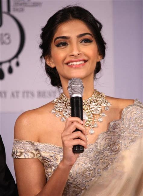 sonam kapoor hairstyles in saree celebrity hairstyle ideas for girls bollywood actress