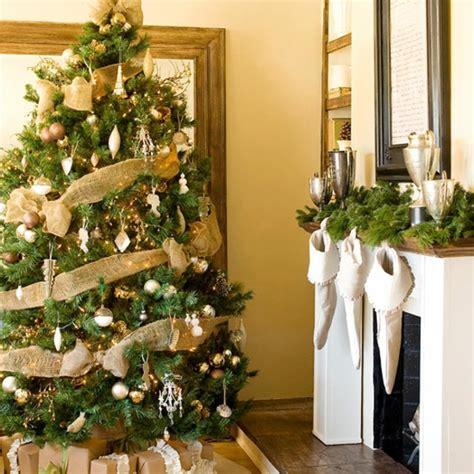 traditionelle weihnachtsbaum dekorieren ideen einfache tipps f 252 r die dekoration des weihnachtsbaumes