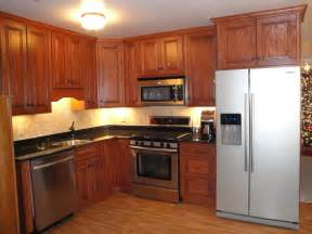 kitchens with appliances red oak kitchen cabinets
