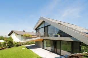 Modern House Roof Slope Roof House With Futuristic Interiors Modern House