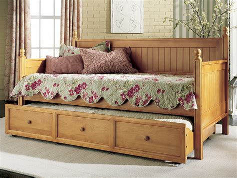 how to make a daybed frame 10 easy ideas and designs on how to build a diy daybeds
