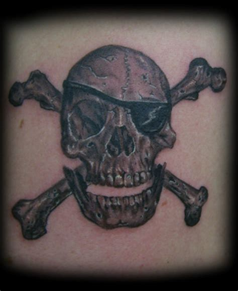 skull and bones tattoo 7 pirate skull and crossbones