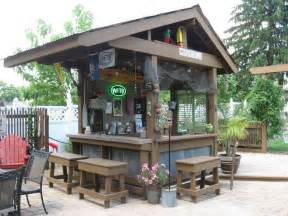 outdoor backyard bars best 25 diy outdoor bar ideas on deck