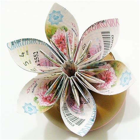 Anniversary Origami - beautiful idea for a paper wedding anniversary