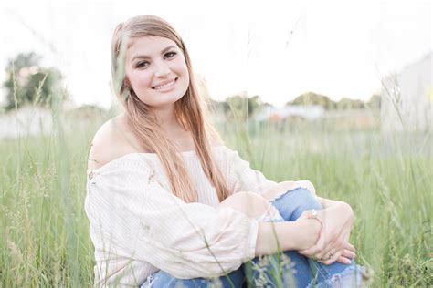 ava sessions ava devine senior session lauren ann photography