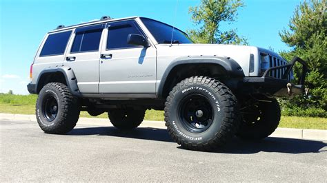 jeep xj lifted 2001 jeep sport xj 4x4 lifted low silver