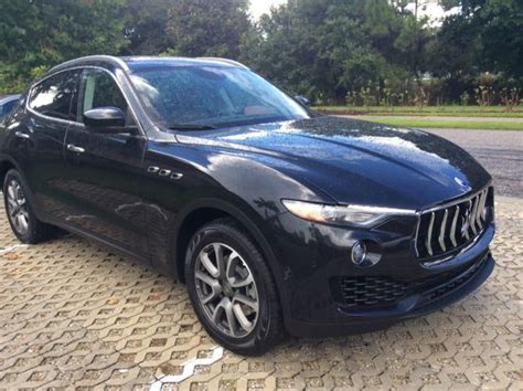 Zn661xua4hx207009   2017 Maserati Levante Black/Brown w