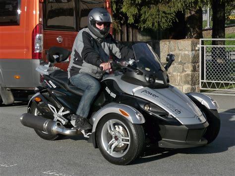 Dreirad Motorrad Ch by Motorr 228 Der Can Am Fahrzeugbilder De