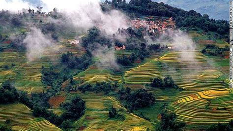 charming Living In The Mountains #2: 130624114235-whs-honghe-hani-rice-terraces-story-top.jpg