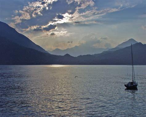 boat view images file lago di como sailboat jpg wikipedia