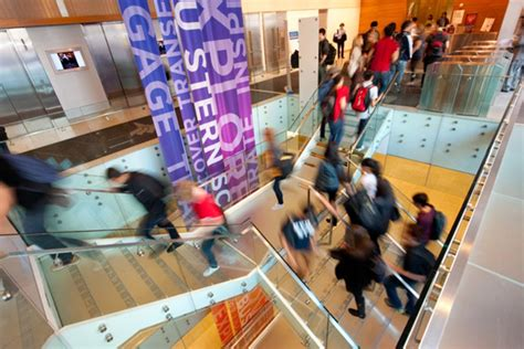 Txbcb 2k004 03 Top A Mba by Top Mba Targets For Undergrad Biz Students Bloomberg