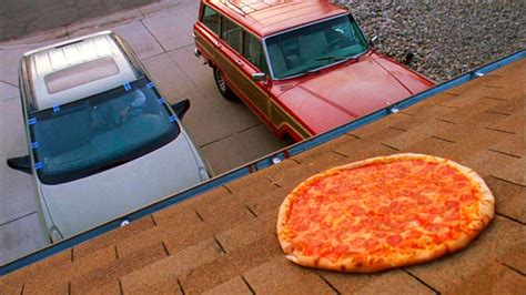 Breaking Bad Pizza Meme - nuovo sport il lancio della pizza sulla casa di walter white