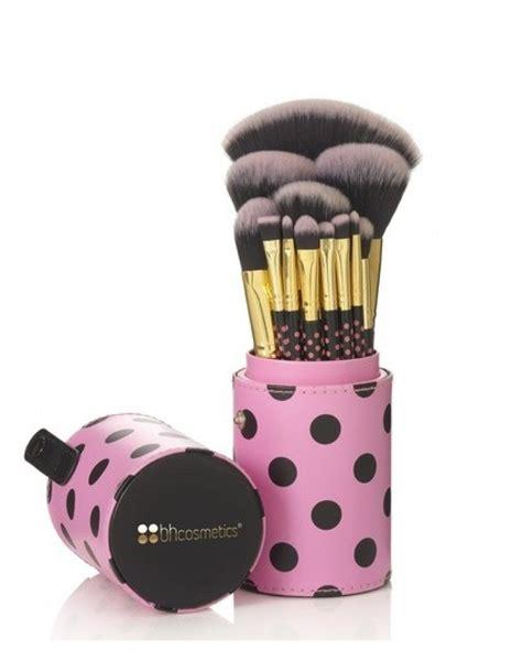 Bh Cosmetics Pink A Dot Brush 2691335 jpg