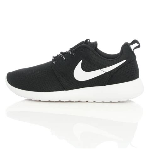 Nike Rhoserun Black White nike wmns rosherun black white 511882 010