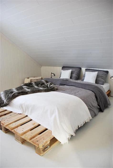 Tempat Tidur Kayu Bekas pallet kayu bekas untuk interior eksterior rumah pallet