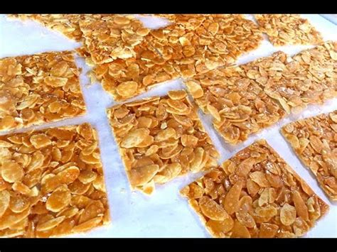 new year almond flakes cookies how to bake almond flake florentine cookies 怎样烘杏仁麦芽片