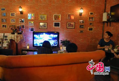 couch from friends replica central perk from hollywood set to beijing china org cn