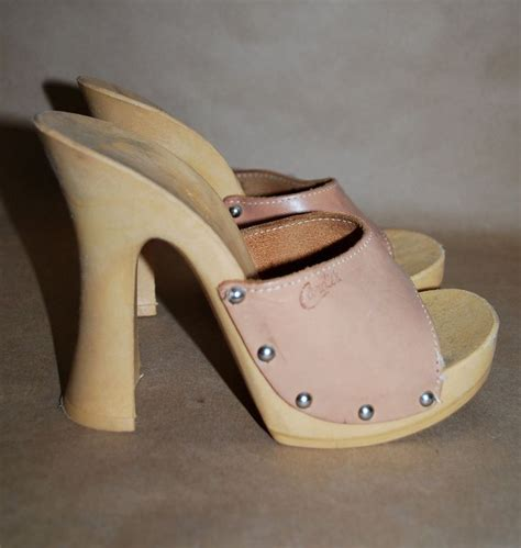 Sandal Wedges Wanita Ldi 628 1 79 best images about the 70s on do the hustle 1970s dresses and afro