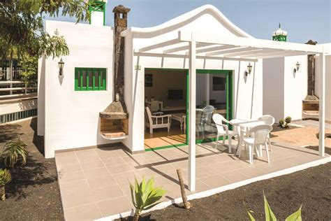 hyde park bungalows lanzarote hyde park bungalows cheap holidays to hyde park