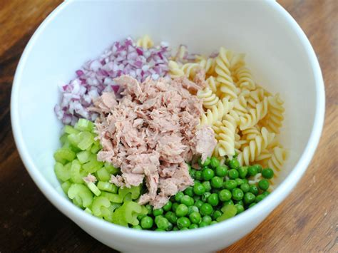 pasta salad with tuna easy tuna pasta salad recipe