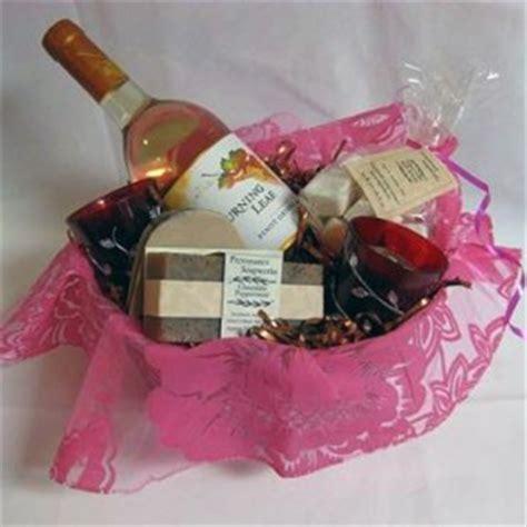 bridal shower guest gift basket ideas bridal shower gift basket ideas to remember bridal