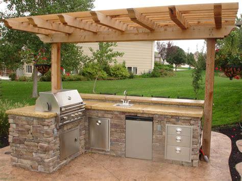 kitchen island sink on pinterest outdoor kitchen design kuhinja na otvorenom uređenje interijera uredi svoj dom