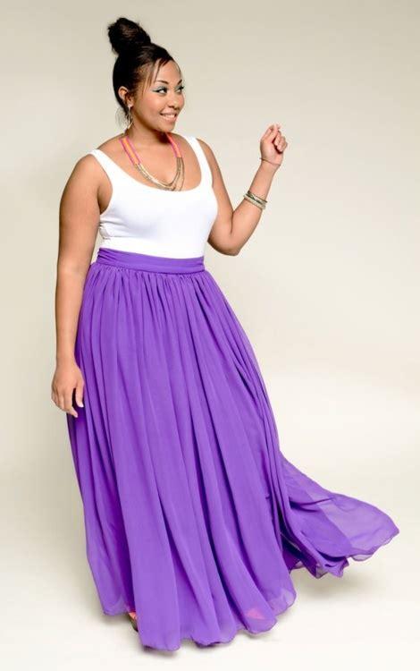 5 ways to wear a plus size maxi skirt curvyoutfits
