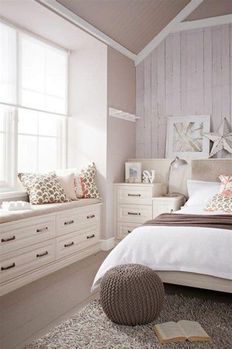 Schlafzimmer Einrichtungsideen by 43 Ideen F 252 R Behagliche Sitzecke Auf Der Fensterbank