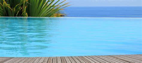 piscine à débordement prix 986 prix piscine coque a debordement paradis aquatique