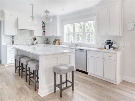 Quartz Countertop Dealers by White Kitchen Cabinet Knobs White Kitchen With Cambria