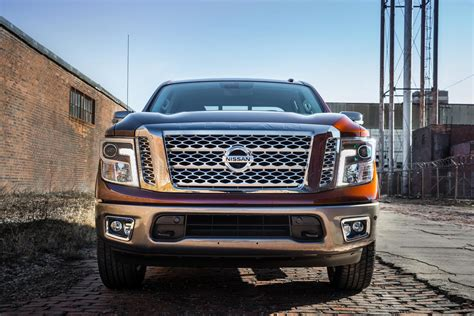 2017 nissan titan crew cab nissan unveils redesigned 2017 titan with gas v8 coming