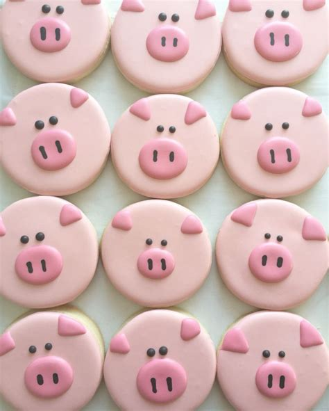 decorated cookies best 25 pig cookies ideas on farm cookies