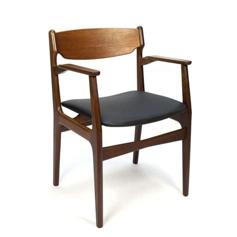 rechte stoel met armleuning deense teakhouten vintage stoel met armleuning retro