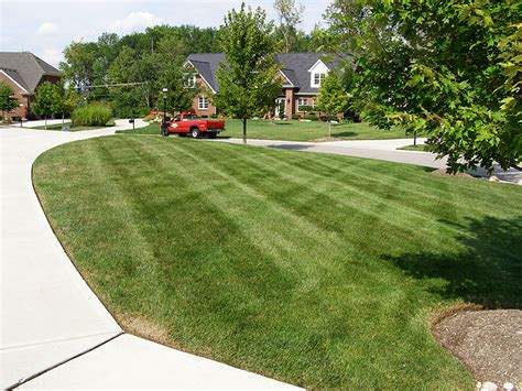 Landscape Edging Services Centerville Ohio Mowing And Edging Landscape