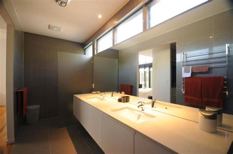 Bathroom Window Louvers by Three Benefits Of Using Altair Louvres Up High Australia
