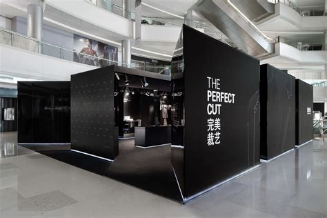 Luxury E Store 20ltdcom by China Luxury Retail Photography Propaganda Studio