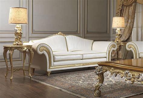 divani classici di lusso divano di lusso con modanature intagliate a mano a foglie