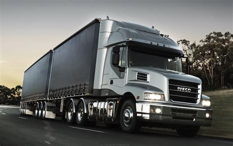 Iveco Car Wallpaper Hd by Silver Truck Iveco Wallpaper Desktop Wallpaper Wallpaperlepi