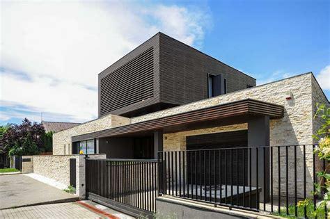 dise 241 o de casa moderna de dos pisos fachadas y planos construye hogar