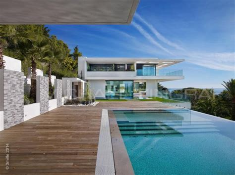 Kendall Dining Room 11 000 square foot newly built modern mansion in cannes