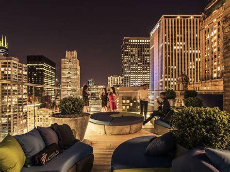 cerise rooftop bars  loop chicago