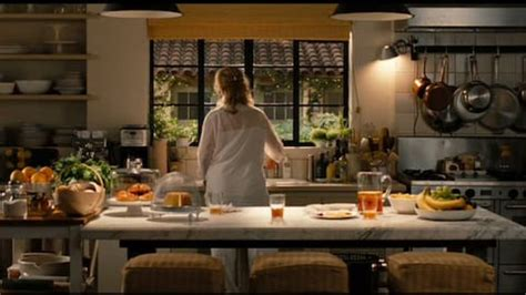 nancy meyers kitchen nancy meyers a guide to her dreamiest creamiest movie houses