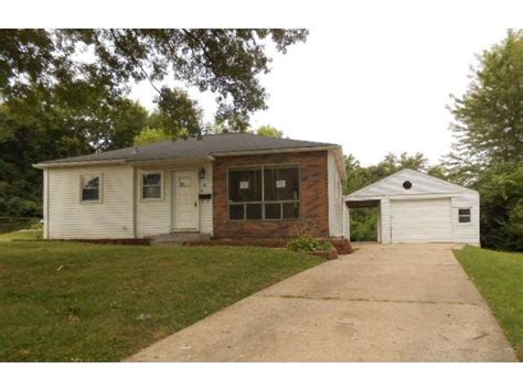 18 benedict ct louis mo 63114 foreclosed