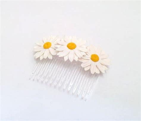 Wedding Hair Accessories Daisies by Daisies White Flower Comb Daisies Flower Comb Wedding