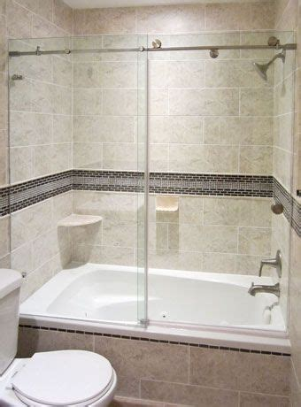 Glass For Bathtub by Best 25 Glass Shower Enclosures Ideas On