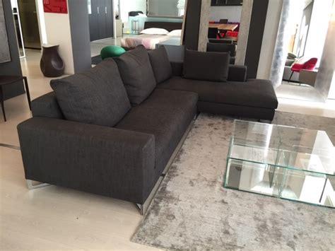 molteni divani outlet divano molteni large con penisola in tessuto scontato