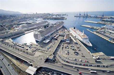 arrivi navi porto di genova cede una banchina di ponte doria a rischio traghetti e