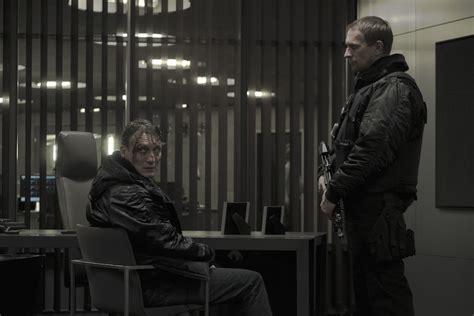 actor dark netflix dark netflix german sci fi noir series review mild