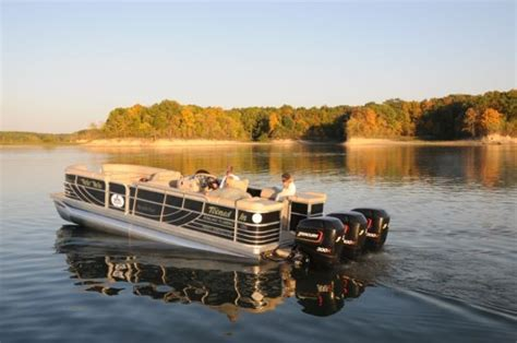 fast lake boats world s fastest pontoon boat gets even faster pontoon