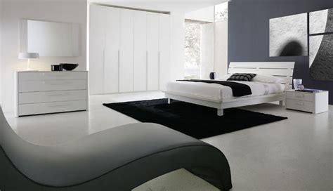 come collocare il letto all interno della stanza